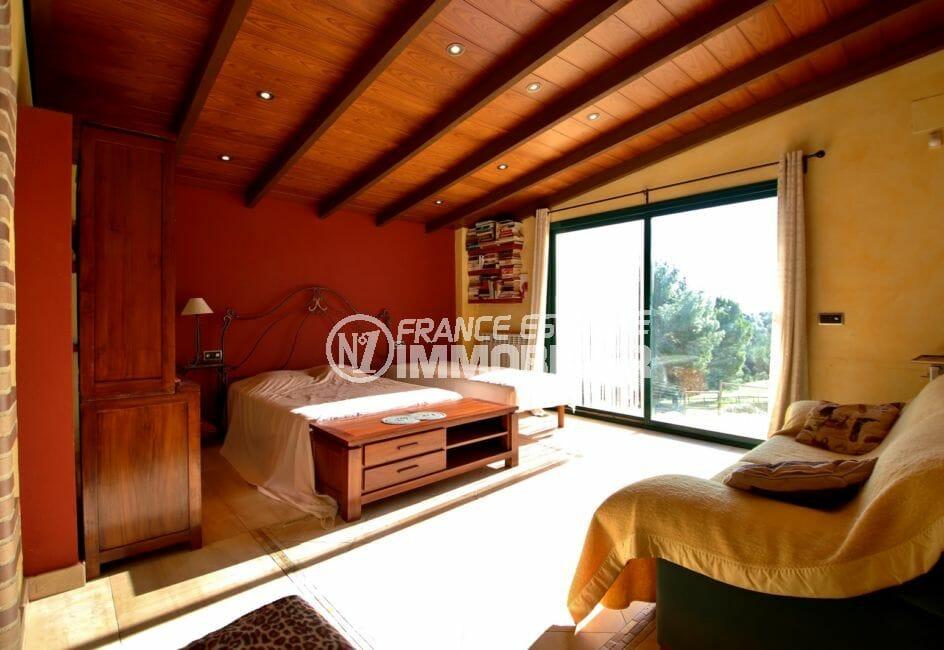 acheter maison espagne costa brava, villa 280 m², spacieuse chambre à coucher, lit double et lit simple