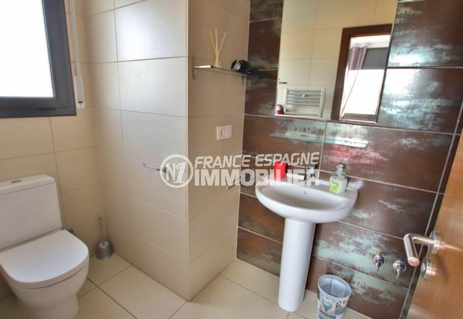 maison a vendre espagne costa brava, 171 m², toilettes indépendantes avec lavabo