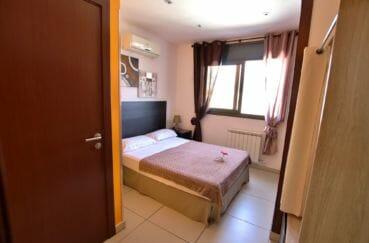 achat villa empuriabrava, piscine, troisième chambre double avec salle d'eau attenante