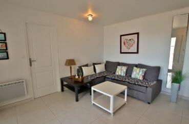 immo center roses: villa 192 m², aperçu de la porte d'entrée