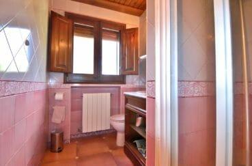 le bon coin espagne costa brava: villa 280 m², salle d'eau de l'appartement indépendant
