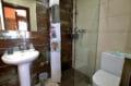 vente maison costa brava, ref.4078, salle d'eau attenante à la troisième chambre
