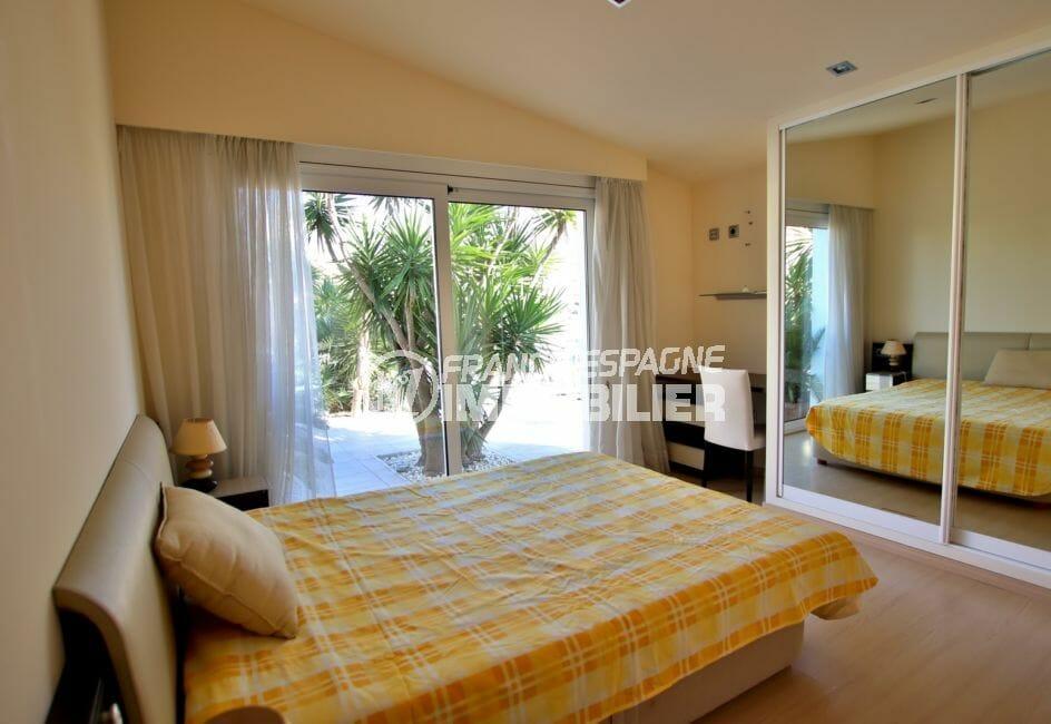 acheter maison costa brava, piscine, troisième suite parentale avec accès terrasse