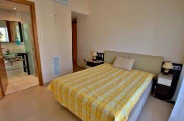 achat villa empuriabrava, piscine, troisième suite parentale et salle d'eau attenante