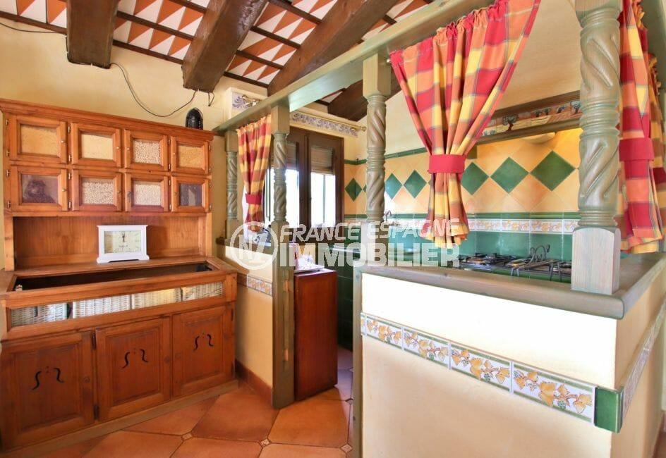 achat maison costa brava bord de mer, villa 280 m², cuisine américaine appartement indépendant