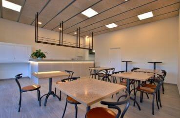 vente immobilier rosas espagne: commerce 60 m², salle avec un capacité de 30 couverts