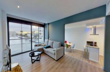 maison a vendre, avec amarre empuriabrava, divisée en 2 appartements dans secteur privilégié
