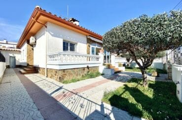 maison a vendre espagne, 136 m² sur terrain de 372 m², parking cour intérieur