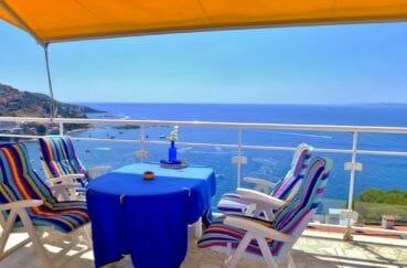 roses espagne: villa 140 m² à vendre, exposition sud, vue imprenable sur la mer