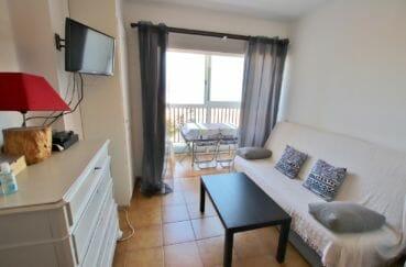 achat appartement empuriabrava, séjour lumineux avec terrasse vue mer