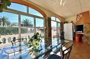 achat maison costa brava, 200 m², terrasse véranda avec barbecue, exposition sud
