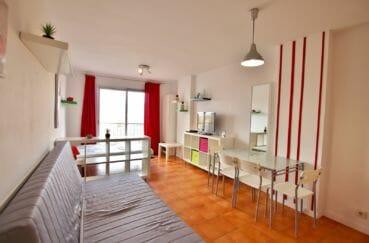 agence immobiliere costa brava: studio 26 m², pièce à vivre avec terrasse vue mer