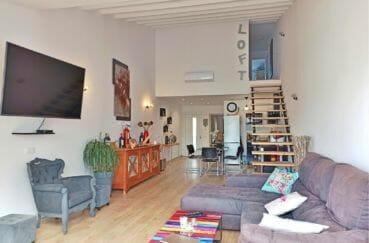 amarre empuriabrava: villa 96 m², salon / salle à manger avec cuisine ouverte