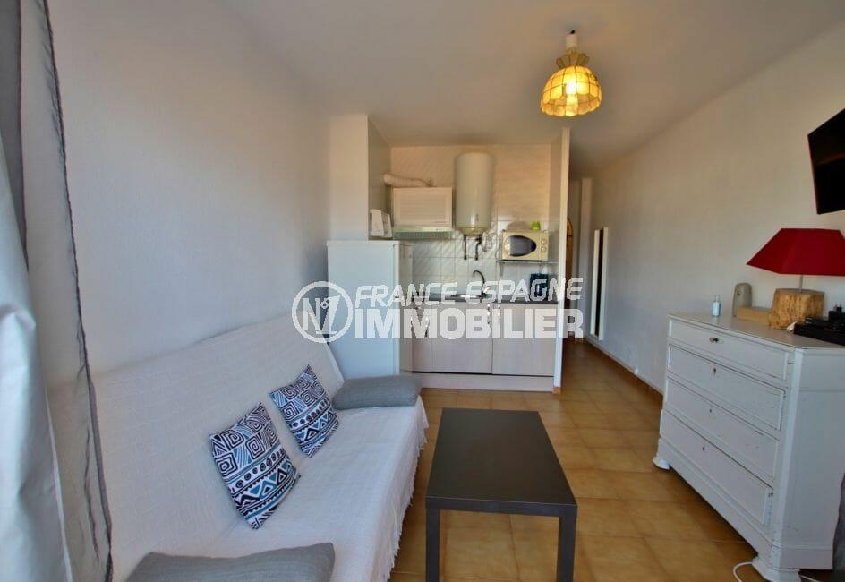 achat appartement empuriabrava pas cher: 28 m² vue mer, salon / séjour, cuisine américaine équipée
