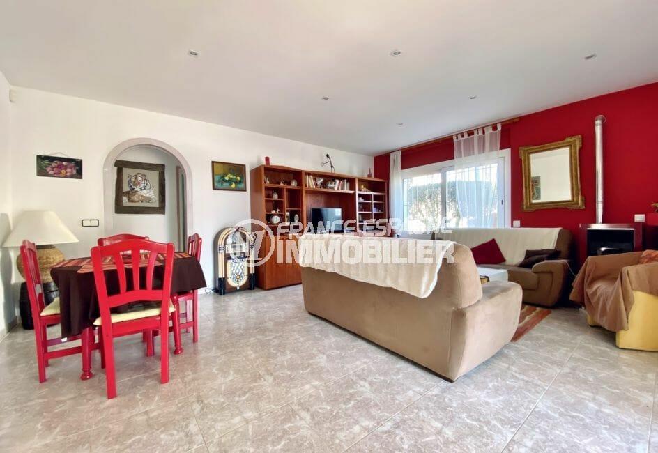 acheter maison costa brava, 136 m², salon / salle à manger avec spots au plafond
