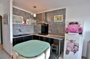 vente empuriabrava, appartement 46 m², cuisine américaine aménagée et équipée