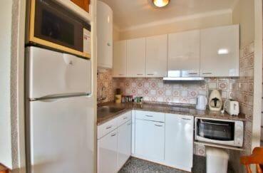 achat maison empuriabrava, cuisine ouverte, aménagée et équipée, nombreux rangements