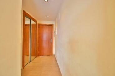 agence immobiliere costa brava: appartement 63 m², armoire / penderie encastrée et vitrée