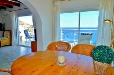 maison a vendre espagne rosas, 140 m² et terrain 320 m², séjour avec vue imprenable sur la mer