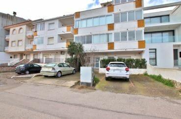 appartement empuriabrava à vendre, vue canal, parking privé à la coproriété