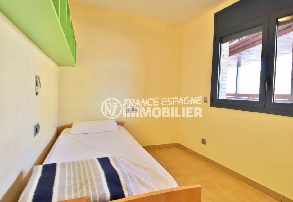 vente appartement rosas espagne, chambre à coucher, lit simple, vue marina