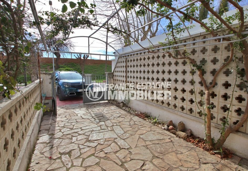 achat maison costa brava, cour intérieure, possibilité terrasse ou parking