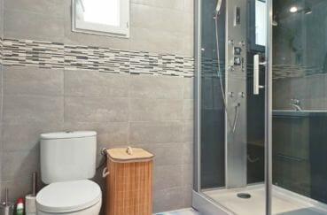 achat maison empuriabrava, 96 m² avec amarre, salle d'eau avec douche hydromassante et wc