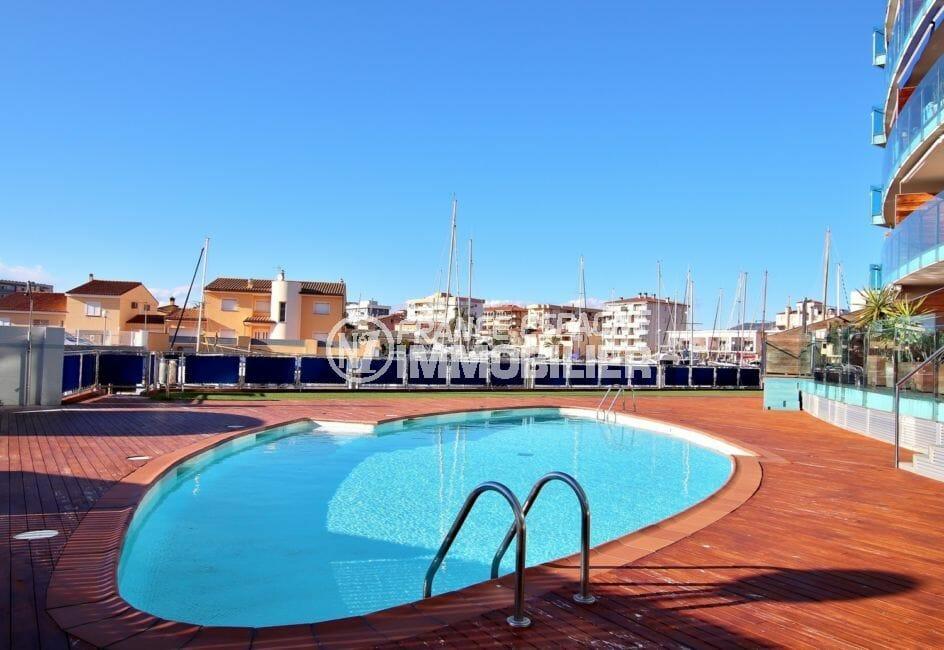 appartement rosas vente, juste à coté de la marina, piscine communautaire