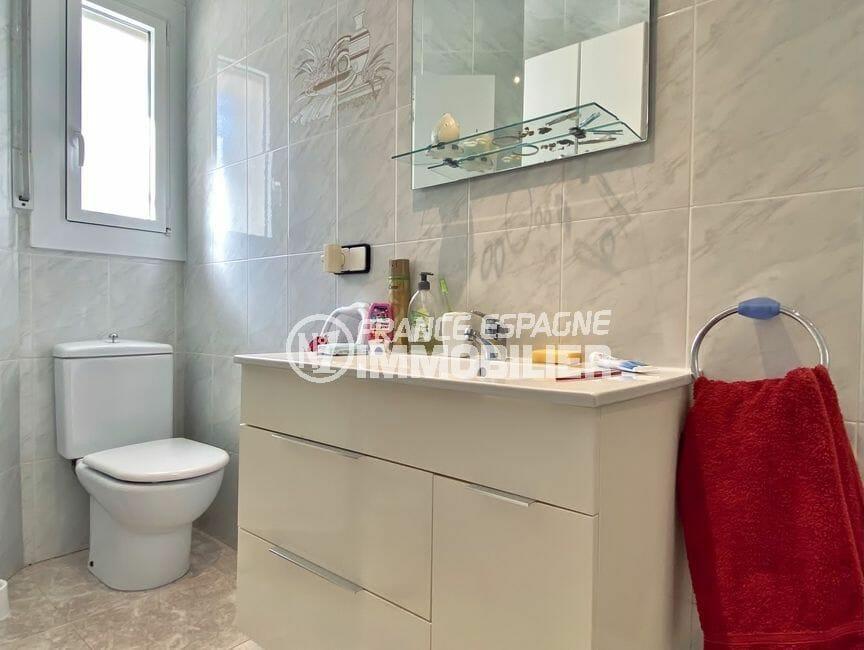 costa brava house: villa 136 m², 2° salle de bain standing avec wc