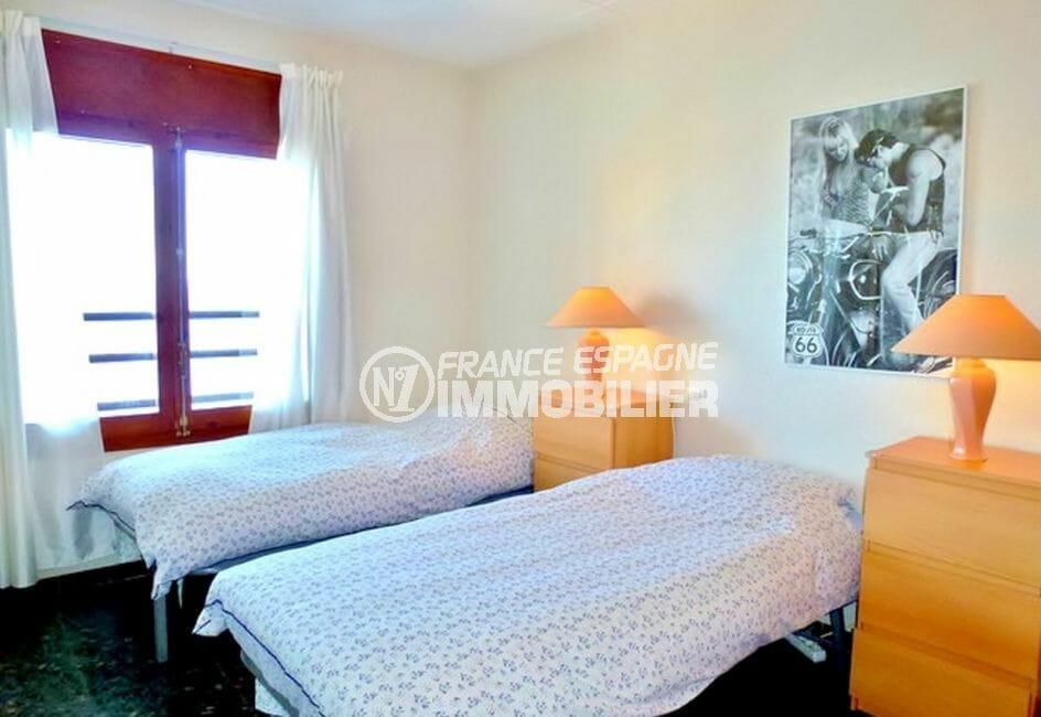 vente villa rosas, vue mer, troisième chambre avec deux lits simples