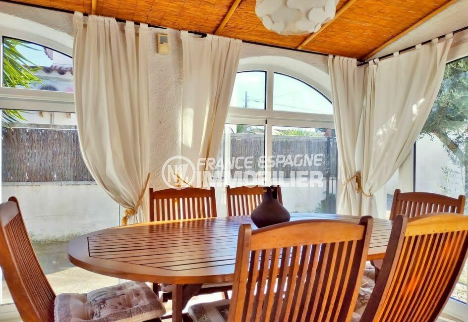 acheter a empuriabrava, secteur prisé, spacieuse terrasse véranda accès salon
