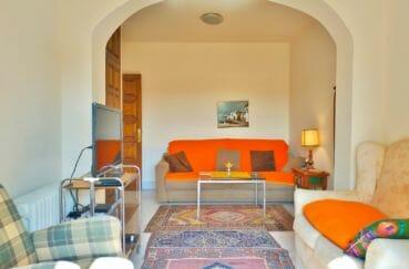 maison a vendre espagne bord de mer, 200 m² avec amarre, beau salon avec voûte