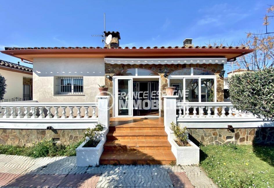 vente maison empuriabrava, 136 m² sur terrain de 372 m², secteur prisé
