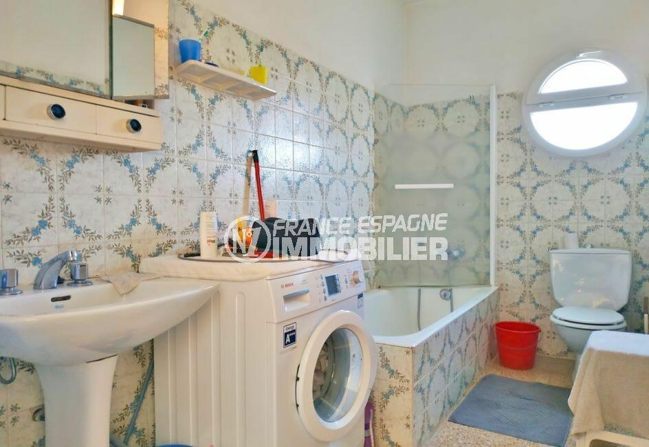 vente maison avec amarre empuriabrava, 200 m², salle de bain avec baignoire et wc
