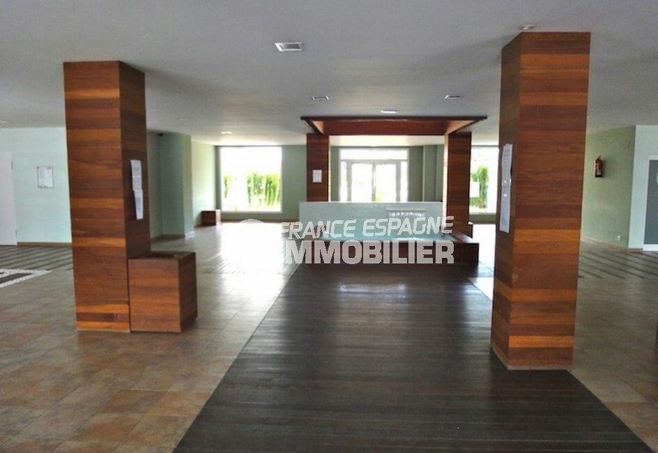 immo center rosas: appartement 100 m², résidence de stanging avec ascenseur