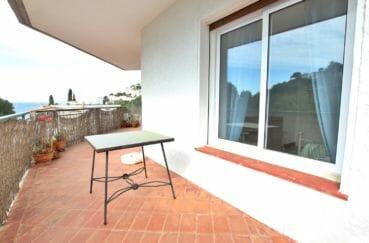 immo roses: appartement 72 m², grande terrasse de 20 m² avec vue mer