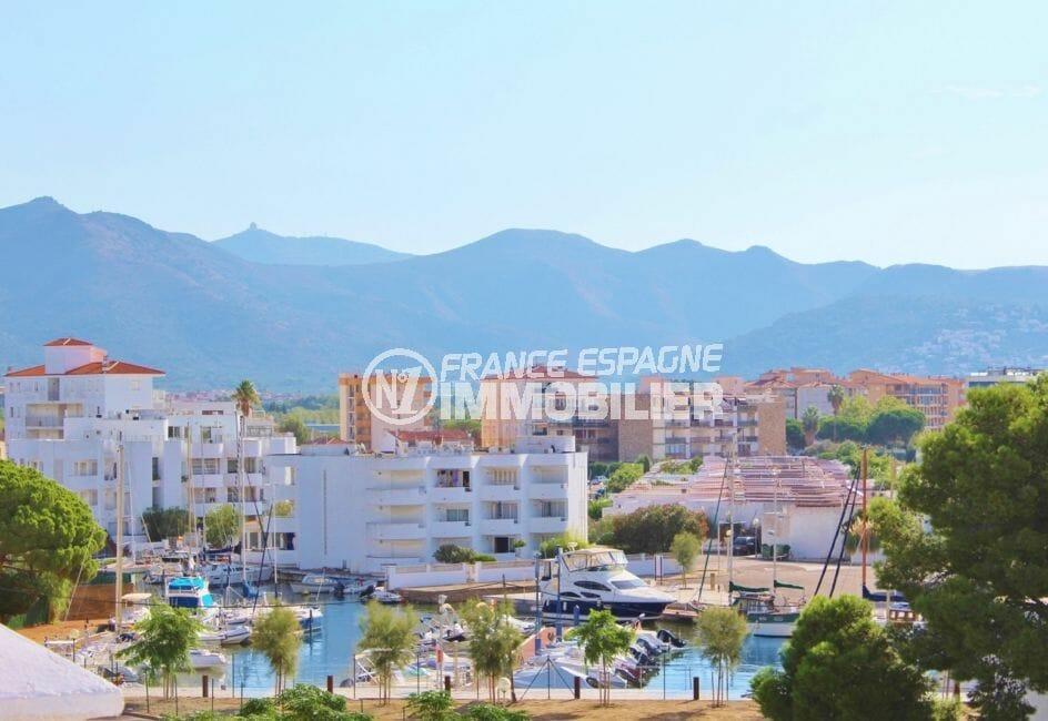 vente appartement rosas, 4 pièces 98 m², grande terrasse vue canal, piscine communautaire, proche plage