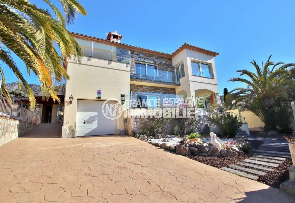 agence immobilière roses: villa 294 m² en 3 appartements avec piscine, garage 22 m² et parking