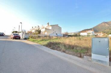 vente immobilière rosas: terrain constructible de 400 m², secteur résidentiel et calme