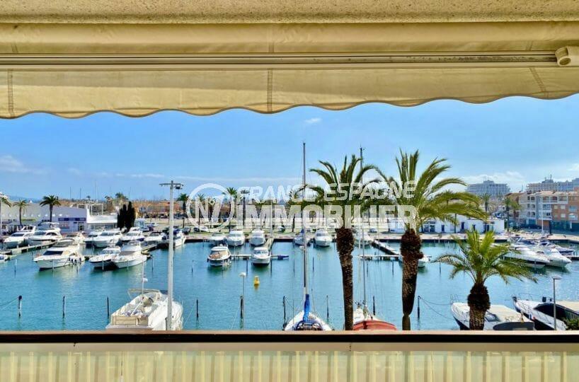 immobilier empuria brava: vente appartement standing de 69 m² avec terrasse vue canal, proche plage
