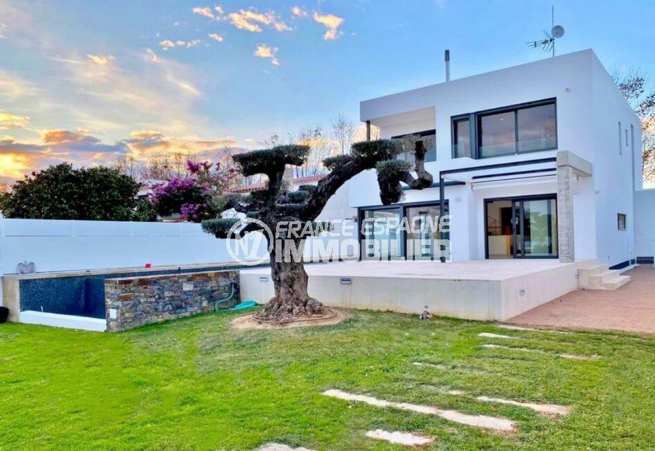 maison empuriabrava, 235 m² sur terrain de 728 m² avec amarre et piscine