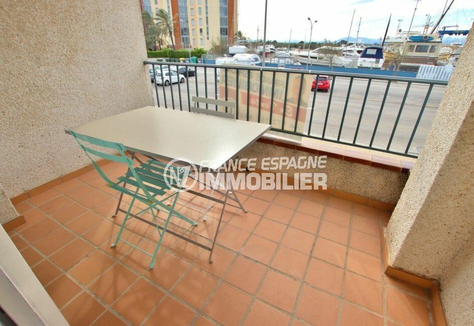 appartement a vendre rosas, 28 m² avec terrasse vue canal, exposition sud-ouest