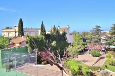 immo roses: appartement 5 pièces 108 m², résidence avec terrain de tennis communautaire