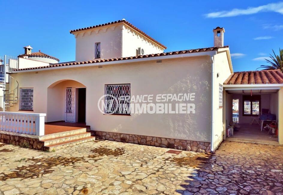 vente maison empuriabrava avec amarre, 168 m² avec terrain 405 m², possibilité piscine