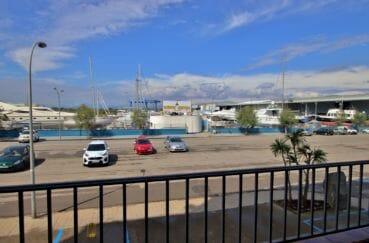 vente appartement rosas, 28 m² avec belle terrasse, vue canal, parking public