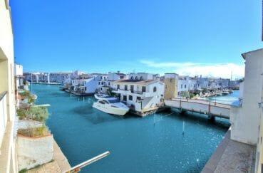 appartements a vendre costa brava, superbe vue canal de la terrasse