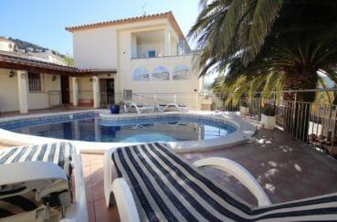 achat maison costa brava, 294 m² en 3 appartements avec piscine, garage, parking et monte charge. accès handicapé. proche plage