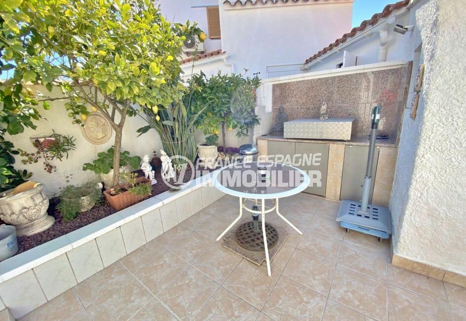 maison a vendre espagne bord de mer: villa 70 m², terrasse avec barbecue et bordures garnies