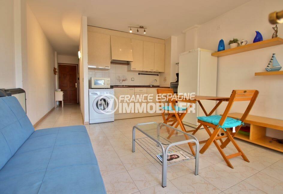 achat appartement rosas, 43 m² avec cuisine ouverte sur le salon / séjour