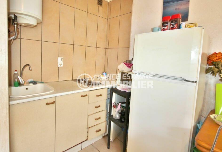 appartement a vendre empuriabrava, 2 pièces 39 m², cuisine équipée de plaques de cuisson